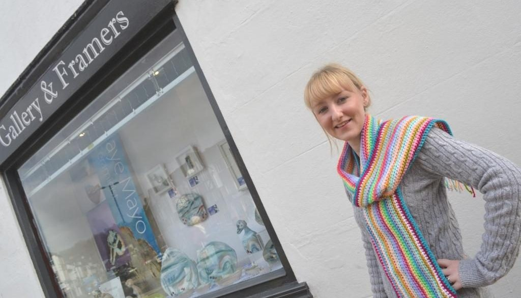 Jodie Green of Caterham Galleries gets ready to Colour Caterham